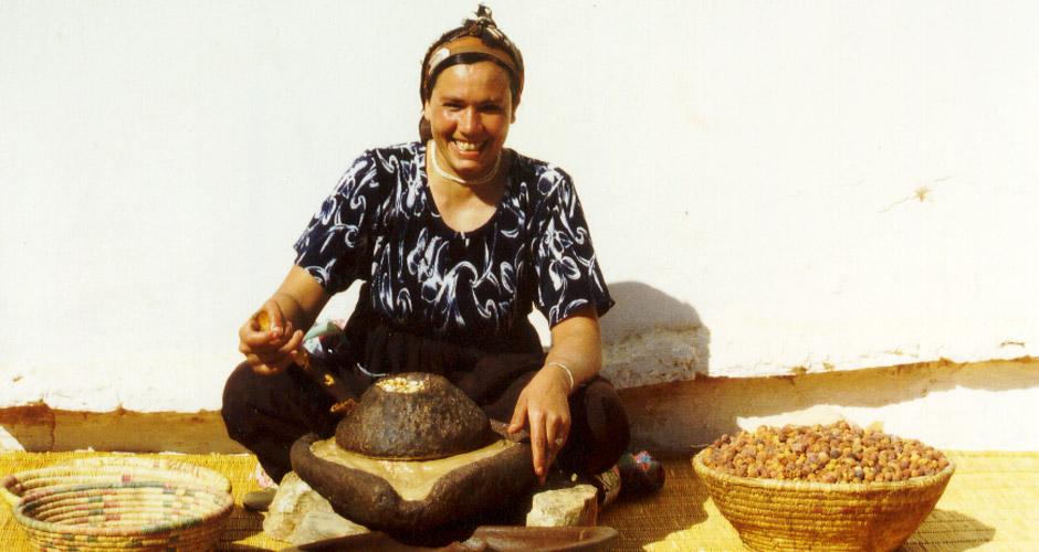 Mouture de la Pâte et Extraction de l'Huile d'Argane